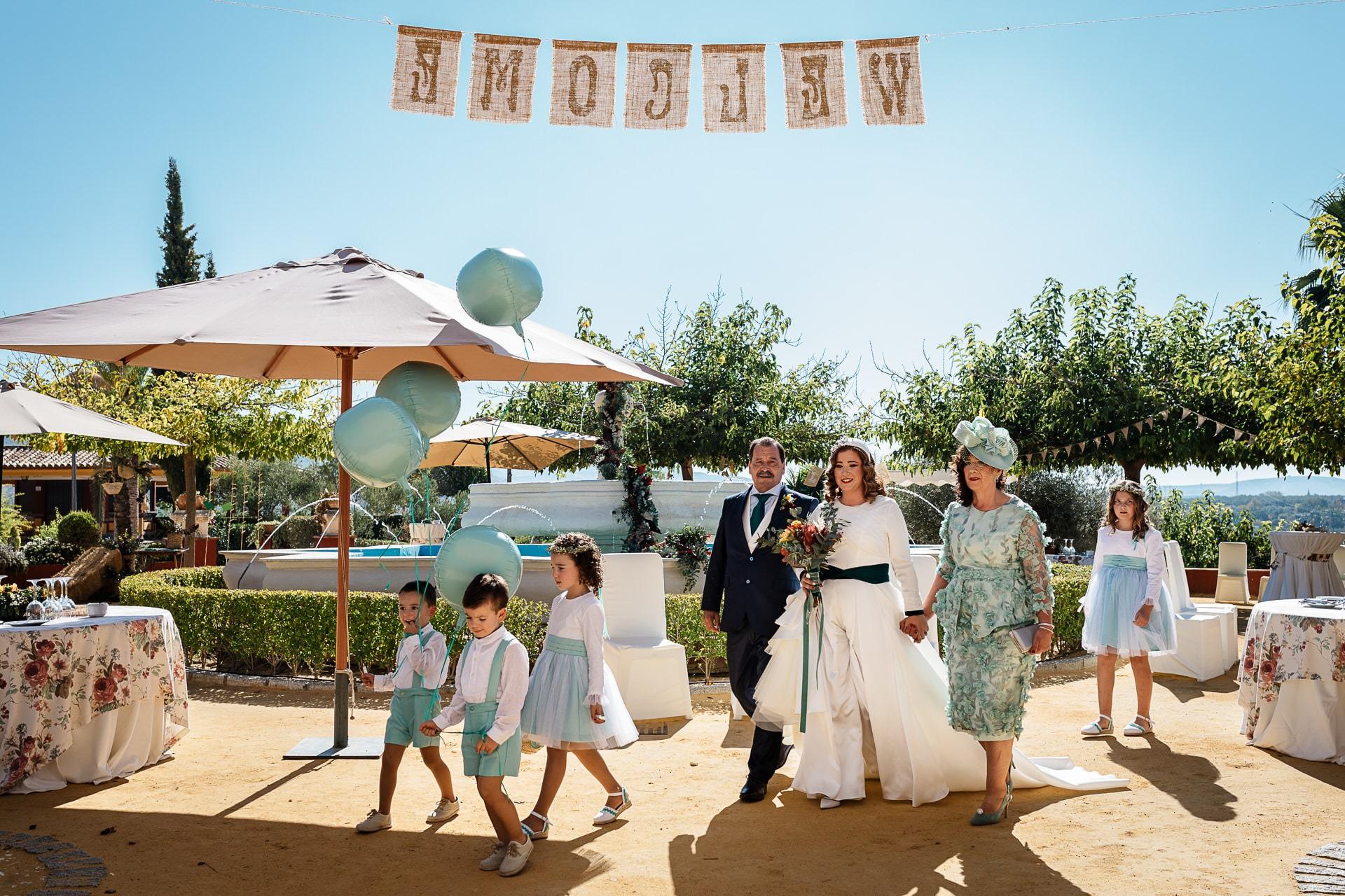 Llegada novia ceremonia civil Boda Hacienda Dehesa del Colmenar Córdoba