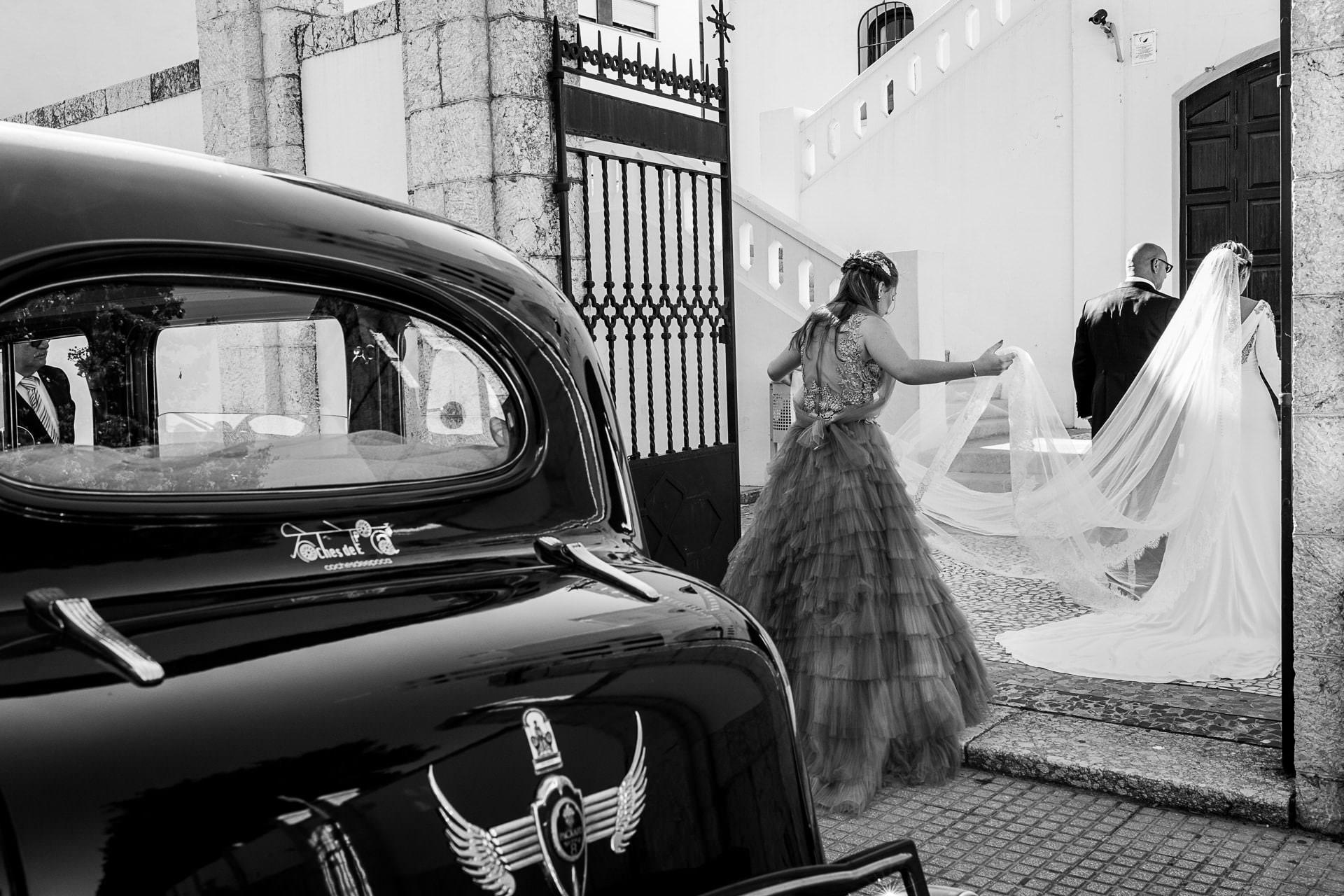Llegada de la novia a la iglesia boda en Málaga